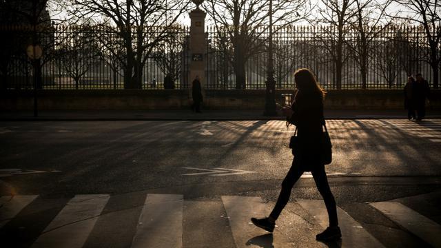 Sifflement, insulte, agression sexuelle: plus de huit Françaises sur dix (81%) ont déjà subi une forme d'atteinte ou d'agression sexuelle dans la rue ou les transports en commun [LIONEL BONAVENTURE / AFP/Archives]