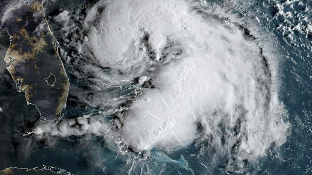 Image satellite de la tempête tropicale Humberto à 12H00 GMT le 15 septembre 2019 [HO / NOAA/RAMMB/AFP]
