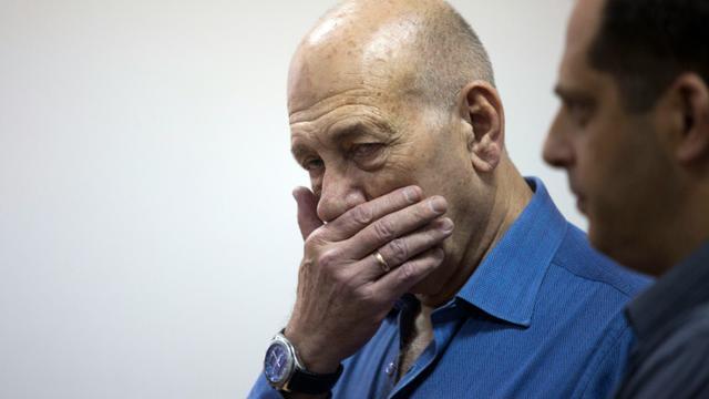 L'ancien Premier ministre israélien Ehud Olmert lors de son procès le 25 mai 2015 à Jérusalem [HEIDI LEVINE / POOL/AFP/Archives]