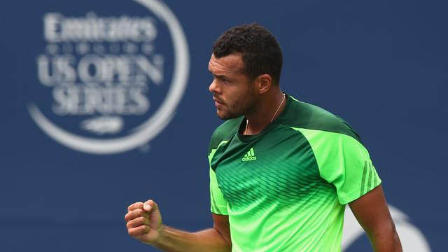 Jo-Wilfried Tsonga lors de sa victoire face à Novak Djokovic à Toronto le 7 août 2014 [Ronald Martinez / GETTY IMAGES NORTH AMERICA/AFP]