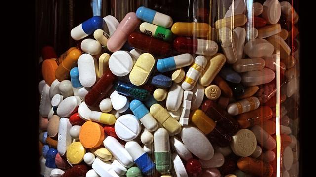 Des fonds de capital-investissement étudient un plan de rachat des portefeuilles d'anciens médicaments de Sanofi et GlaxoSmithKline pour 10 milliards de dollars, selon le Financial Times [Philippe Huguen / AFP/Archives]