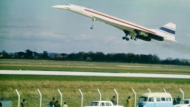 Le Concorde s'envole depuis la piste de l'aéroport de Toulouse-Blagnac le 2 mars 1969 [-, - / UPI/AFP/Archives]