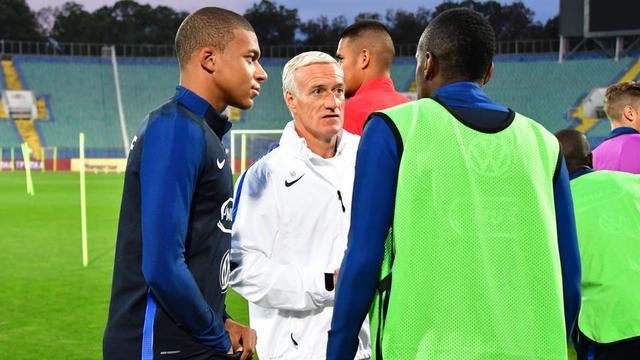 Didier Deschamps doit définir un style de jeu, qui doit être tourné vers l'offensive.