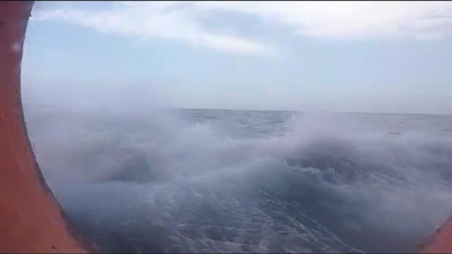 L?Aquarius à l?épreuve de la météo en Méditerranée