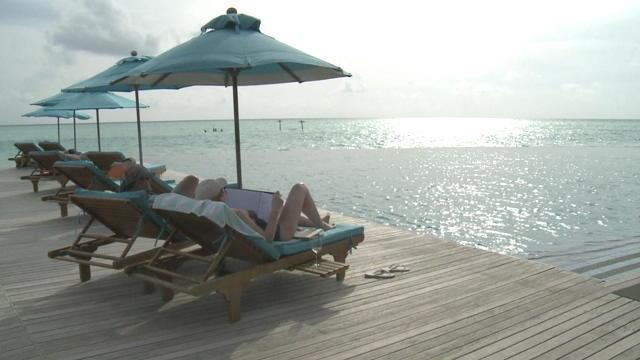 Présidentielle aux Maldives: sous la plage, la répression