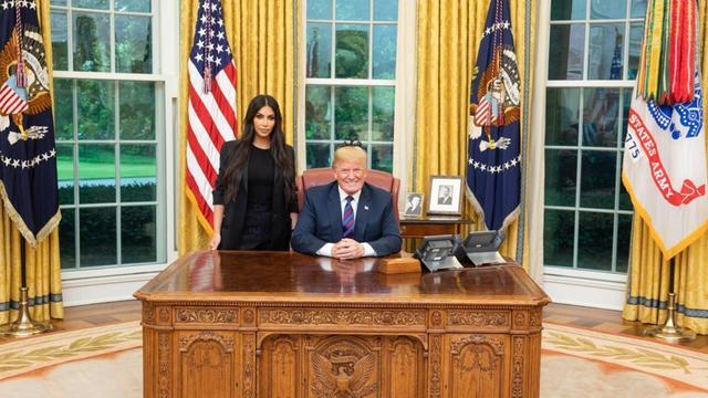 Kim kardashian à la maison blanche pour parler de la réforme des
