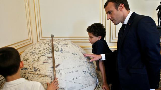 Emmanuel Macron a reçu des enfants autiste à l'Elysée à Paris le 6 juillet 2017 [Thibault Camus / POOL/AFP/Archives]