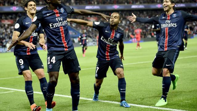 Les joueurs du PSG fêtent le but de Blaise Matuidi (g), contre le Gazélec Ajaccio, le 16 août 2015 au Parc des Princes  [FRANCK FIFE / AFP/Archives]