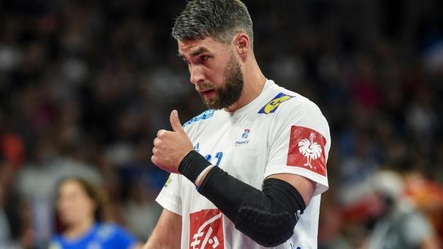 Le Français Luka Karabatic lors de la victoire sur la Roumanie 34-25 à Nantes en qualifications pour l'Euro le 16 juin 2019 [Sebastien SALOM-GOMIS / AFP]