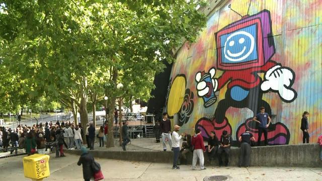 Capture d'écran montrant la plus grande fresque murale d'Europe à Evry dans la banlieue parisienne, le 26 septembre 2015 [ / AFP]