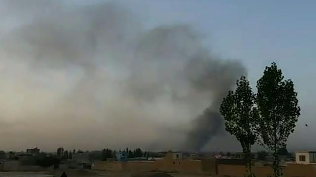 Capture vidéo d'une vidéo de l'AFPTV montrant l'attaque de Ghazni par les talibans, dans l'est de l'Afghanistan, le 10 août 2018 [AFPTV / AFP]