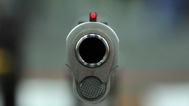 L'université du Texas, dans le sud des Etats-Unis, a autorisé à contre-coeur mercredi ses étudiants à porter une arme en classe, se pliant à un projet de loi adopté par les parlementaires locaux [KAREN BLEIER / AFP/Archives]