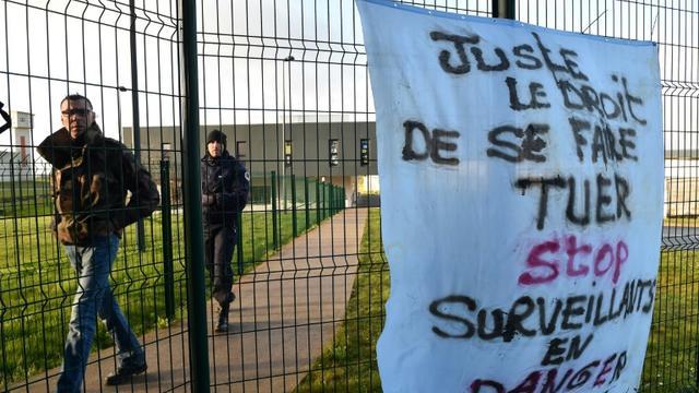 Affiche posée par les surveillants de la prison d'Alençon/Condé-sur-Sarthe, mobilisés encore le 7 mars 2019 [JEAN-FRANCOIS MONIER              / AFP]