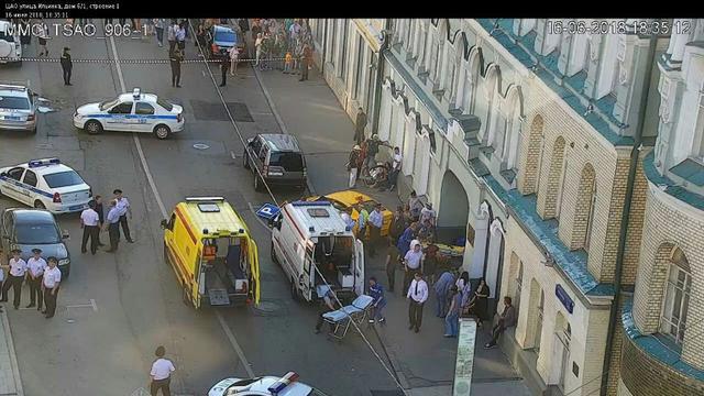 Un taxi fauche plusieurs passants à Moscou — Urgent
