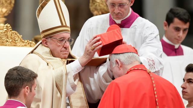 Le pape François fait cardinal l'archevèque mexicain Carlos Aguiar, à Mexico le 19 novembre 2016  [TIZIANA FABI / AFP]