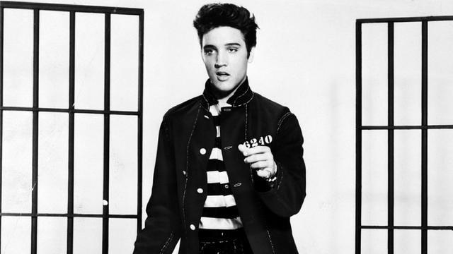 Étrangement, aucun titre d Elvis Presley n est sur le podium.  CC0 Public  Domain   a7033f96f088