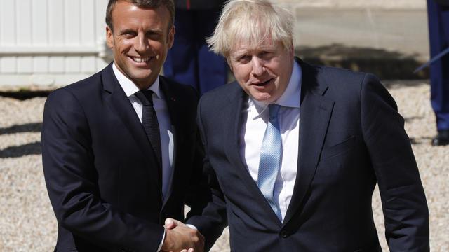 Il s'agit de la première rencontre entre Emmanuel Macron et Boris Johnson, depuis que ce dernier a été nommé Premier ministre du Royaume-Uni.