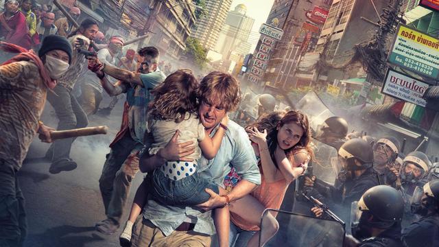 """Dans """"No Escape"""" Owen Wilson est un père de famille qui tente de sauver sa famille en plein coup d'état."""