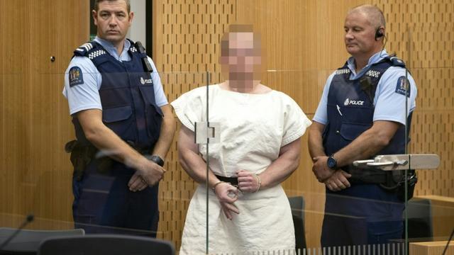 Brenton Tarrant, un extrémiste de droite qui a fait un carnage dans deux mosquées de Christchurch, comparaît au tribunal, le 16 mars 2019 en Nouvelle-Zélande [Mark Mitchell / POOL/AFP]