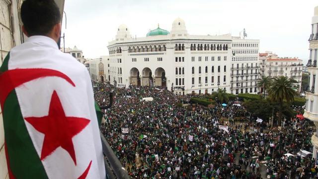Manifestations d'Algériens contre le président Abdelaziz Bouteflika à Alger le 22 mars 2019 [- / AFP/Archives]