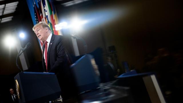 Le président des Etats-Unis Donald Trump fait un discours en clôture d'une réunion des ministres des Affaires étrangères des pays membres de la coalition internationale antijihadistes, le 6 février 2019 à Washington [Brendan Smialowski / AFP]