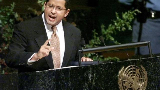 L'ancien président du Salvador, Francisco Flores, à la tribune des Nations Unies à New York, le 25 septembre 1999 [MATT CAMPBELL / AFP/Archives]