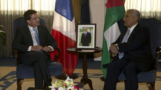 Le Premier ministre français Manuel Valls reçu par son homologue jordanien Abdullah Nsur le 11 octobre 2015 à Amman [KENZO TRIBOUILLARD / AFP]