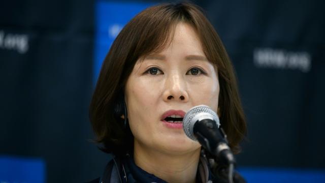 La directrice de l'Union des femmes de la nouvelle Corée Lee So Yeon en conférence de presse avec l'ONG Human Rights Watch à Séoul en Corée du Sud, le 1er novembre 2018 [Ed JONES / AFP]
