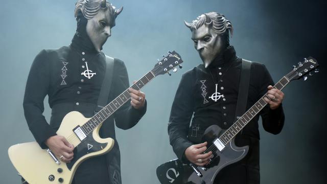 Le groupe suédois Ghost sur la scène le 28 août 2015 de Rock en Seine, au Domaine de Saint-Cloud près de Paris [BERTRAND GUAY / AFP]