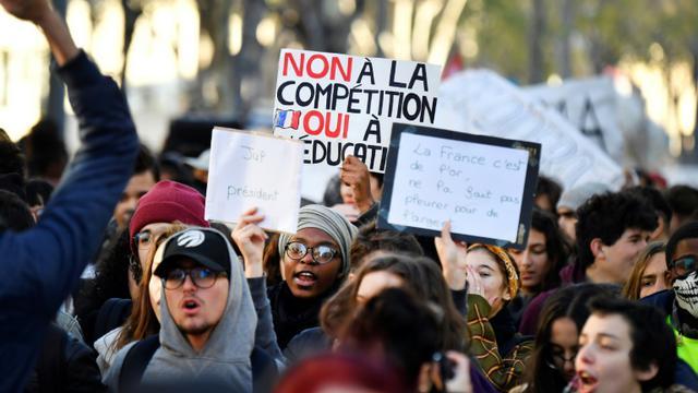 Des lycéens manifestent à Marseille le 11 décembre 2018 [GERARD JULIEN / AFP]