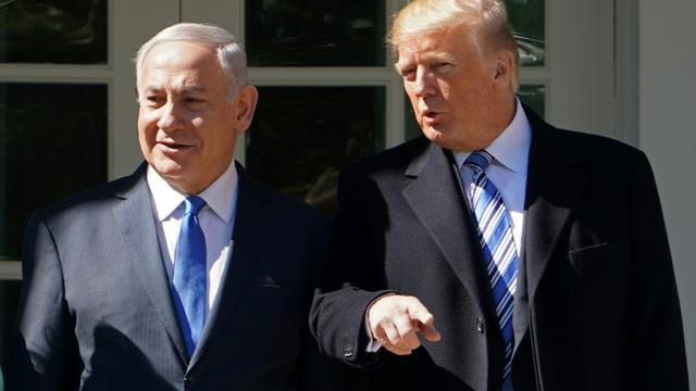 Le président américain Donald Trump accueille le Premier ministre isralélien Benjamin Netanyahu à la Maison Blanche le 5 mars 2018 [MANDEL NGAN / AFP]