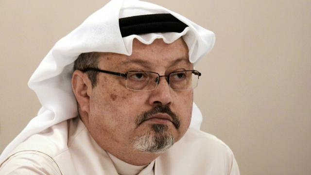 Le journaliste Jamal Khashoggi lors d'une conférence de presse à Manama, le 15 décembre 2014 [MOHAMMED AL-SHAIKH / AFP/Archives]