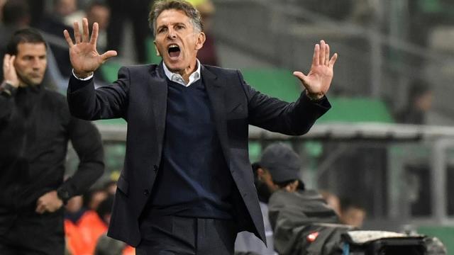 L'entraîneur de Saint-Etienne Claude Puel (c) lors de la victoire 1-0 à domicile sur Lyon le 6 octobre 2019 [PHILIPPE DESMAZES / AFP]