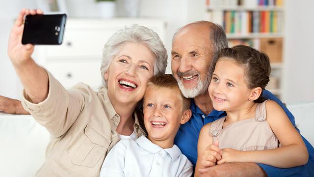 Les seniors représentent une clientèle à conquérir pour le marché high-tech.