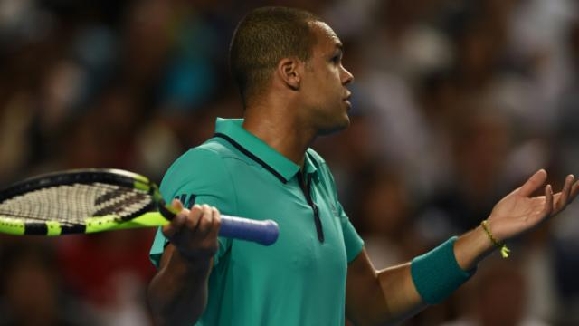 Jo-Wilfried Tsonga lors du match l'opposant à  Kei Nishikori le 24 janvier 2016 à Melbourne [GREG WOOD / AFP]