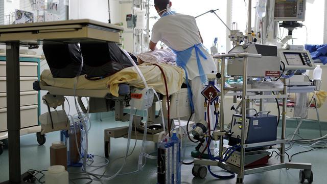 Près de neuf Français sur dix se disent favorables à une loi autorisant l'euthanasie, selon un sondage BVA paru le 26 juin 2014 dans Le Parisien/Aujourd'hui en France [Jean-Sébastien Evrard / AFP/Archives]