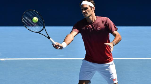 Le Suisse Roger Federer lors d'une séance d'entraînement en vue de l'Open d'Australie, le 13 janvier 2019 à Melbourne [PAUL CROCK                      / AFP]