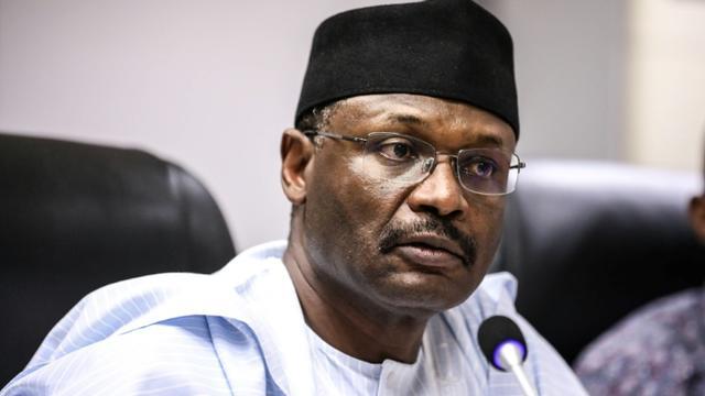 Le président de la Commission électorale du Nigéria, Mahmood Yakubur Mahmood Yakubu, annonce le repport d'une semaine de l'élection présidentielle à Abuja le 16 février 2019 [Kola Sulaimon / AFP]