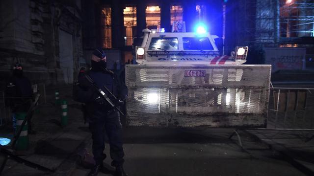 La police belge monte la garde devant le tribunal de Bruxelles le 8 février 2018, au deuxième jour du procès de Salah Abdeslam [Emmanuel DUNAND / AFP]