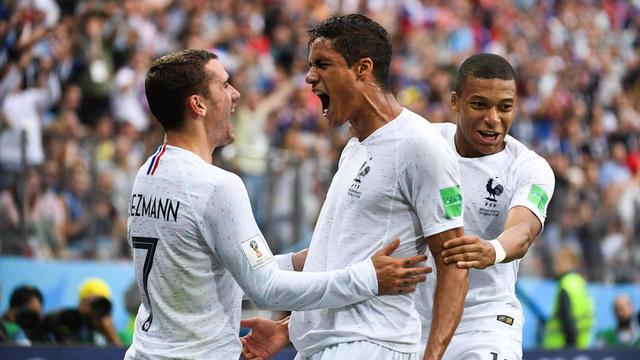 Antoine Griezmann, Kylian Mbappé et Raphaël Varane sont de sérieux candidats au Ballon d'or au même titre que N'Golo Kanté.