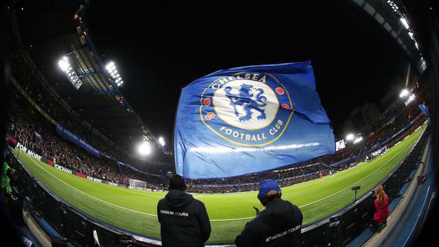 En Angleterre, Chelsea est dans le viseur de la Fifa pour le recrutement frauduleux de joueurs mineurs.