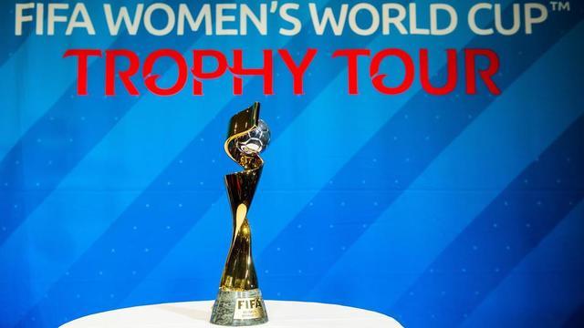 Tout savoir sur le troph e de la coupe du monde f minine - Coupe du monde de football feminin ...