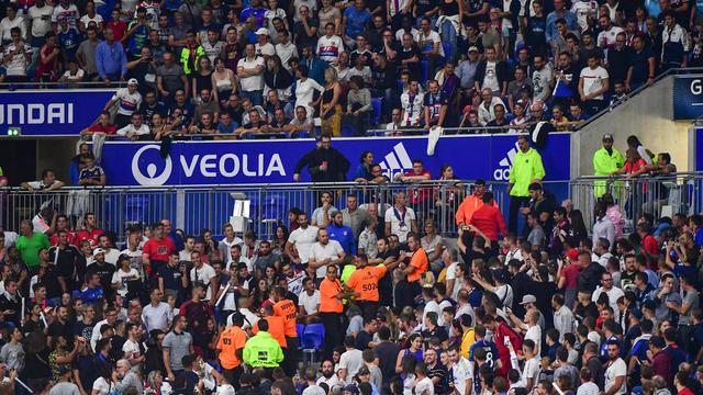 En plus du tract haineux des Bad Gones sur la ville de Marseille, des échauffourées ont éclaté dans le Parc OL.