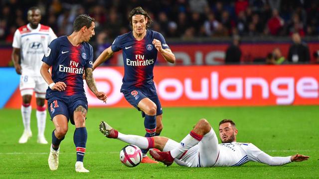 Edinson Cavani a été contraint de laisser sa place juste avant la mi-temps dans le choc contre Lyon.