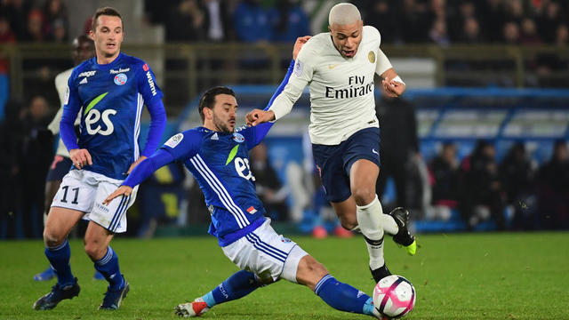 Kylian Mbappé et les Parisiens ont été accrochés au match aller à Strasbourg (1-1).