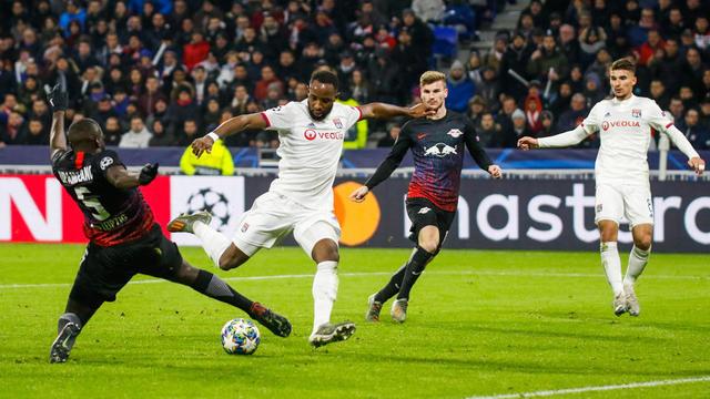 Moussa Dembélé et les Lyonnais ont remonté deux buts pour se qualifier.