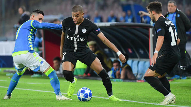 Le PSG et ses stars, comme Kylian Mbappé, sont régulièrement la cible d'attaque.
