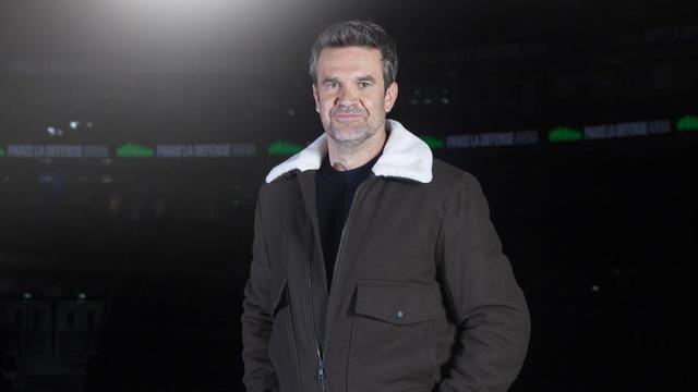 Hervé Mathoux présente le Canal Football Club depuis son lancement en août 2008.