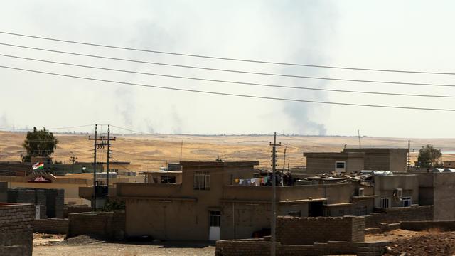 Près de Mossoul, la deuxième ville d'Irak, les combats font rage.