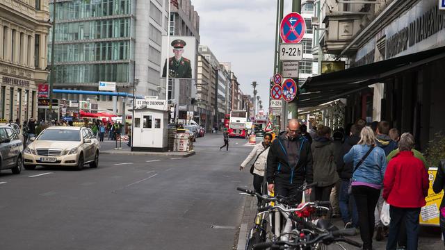 Les véhicules diésel ne pourront plus emprunter l'emblématique Friedrichstrasse, à Berlin.